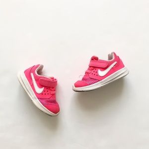 Nike pink downshifter sneakers VGUC size 6